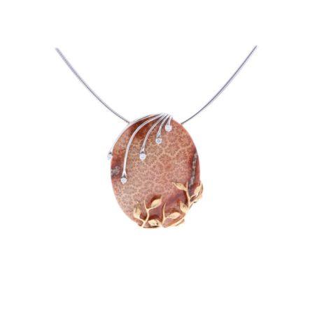 collier-la-nature-est-un-tableau-en-or-jaune-or-blanc-or-rose-et-corail-fossilise-et-diamants-maison-bianchi