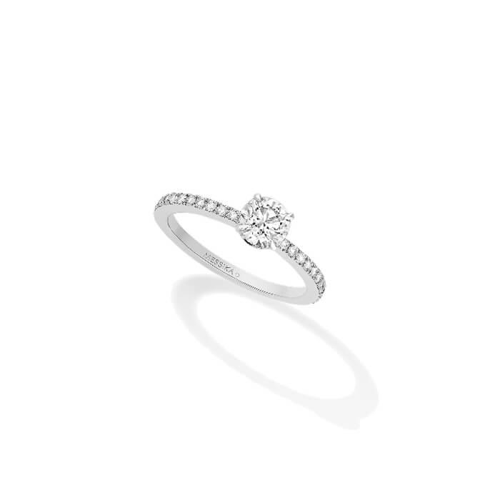 bague-solitaire-emotion-en-or-blanc-et-diamants-messika
